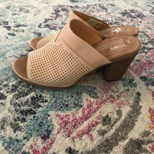 Toms perforated leather heels sandals 7